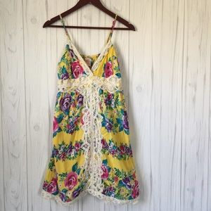 •Flying Tomato• Yellow Floral Dress Size Large